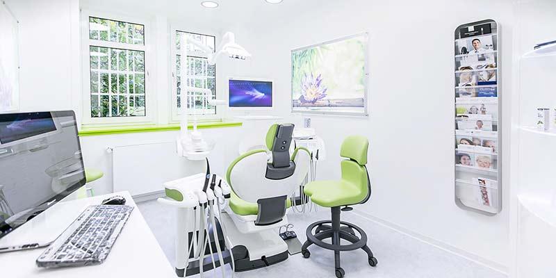 Zahnaerztliche-Chirurgie